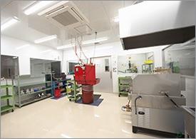 V4ハウジング作業室
